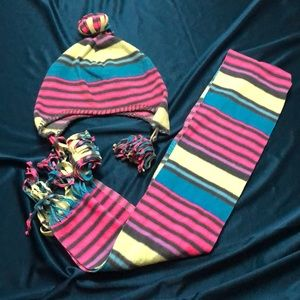 Old Navy Children's Hat and Scarf Set